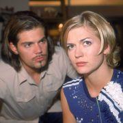Cora (Nina Bott) hat ein verlockendes Jobangebot bekommen. Doch sie hadert mit sich, ob sie es annehmen soll. Denn mit der zeitintensiven Projektleitung würde sie auch Leon vernachlässigen.
