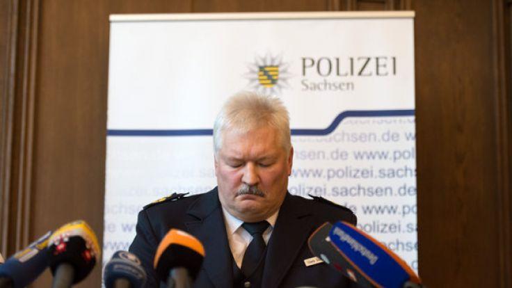 Der Leiter der Polizeidirektion Chemnitz, Polizeipräsident Uwe Reißmann, nach dem Einsatz in Clausnitz. Die sächsische Polizei steht nach der Attacke auf Flüchtlinge in der Kritik. (Foto)
