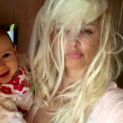 So sieht Daniela Katzenberger aus, wenn sie nur drei Stunden geschlafen hat, weil Töchterchen Sophia gerade Zähnchen bekommt.