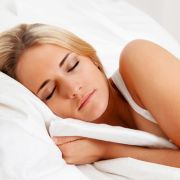 Die perfekte Stellung? Wer so schläft, gefährdet seine Gesundheit (Foto)