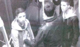 Diese Jugendlichen sollen ein Mädchen im Bus belästigt und später einen Jungen attackiert haben. (Foto)