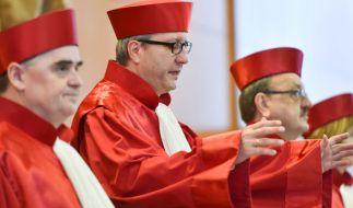 Die Richter im Verfahren gegen die NPD (von links nach rechts): Peter Müller, Präsident Andreas Voßkuhle und Herbert Landau. (Foto)