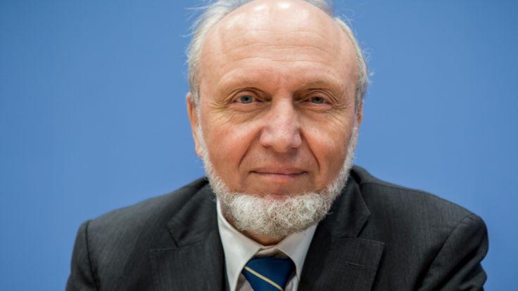 Top-Ökonom Hans-Werner Sinn befürchtet hohe Kosten durch die Flüchtlingskrise. (Foto)