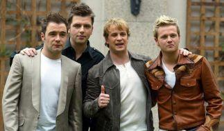Bryan McFadden mit seinen Bandkollegen von Westlife im Jahre 2004. (Foto)