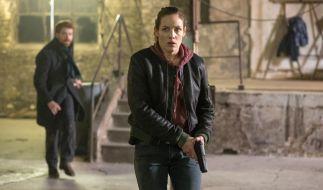 Sara (Katharina Lorenz) ist alleine auf der Spur von Avigdor (Aram Tafreshian), einer der Verdächtigen. (Foto)