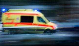 In Lübeck wurde ein Junge von einem Krankenwagen angefahren und lebensgefährlich verletzt. (Foto)