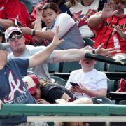 Vater rettet Sohn vor Baseballschläger (Foto)