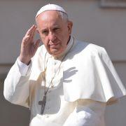 Papst Franziskus schockt mit Twitter-Botschaft (Foto)