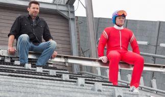 Taron Egerton und Hugh Jackman in Eddie the Eagle. (Foto)
