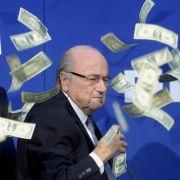 FIFA enthüllt das Gehalt von Sepp Blatter (Foto)