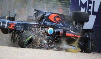 """Fernando Alonso twitterte nach dem Crash diesen Foto und schrieb dazu """"I'm Fine"""" (dt:"""" Bin ok""""). (Foto)"""