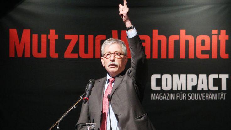 """Thilo Sarrazin 2013 bei einer Veranstaltung des rechtspopulistischen Magazins """"Compact"""". (Foto)"""