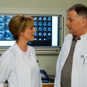 Dieser Patient gibt in der ARD-Sachsenklinik viele Rätsel auf (Foto)