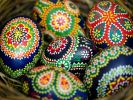 Traditionell bemalte sorbische Ostereier. (Foto)