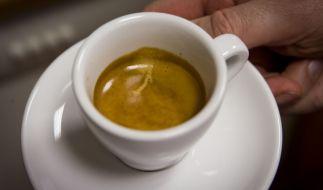 Weil ein Paar seine Rechnung nicht bezahlt, stellt der Inhaber des Cafés sie öffentlich an den Pranger. (Symbolbild) (Foto)