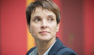 Frauke Petry erntet mit einem Facebook-Post erneut viel Kritik. (Foto)