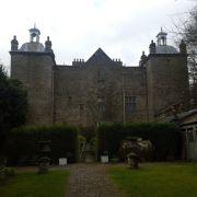In diesem Schloss treibt ein Geisterhund sein Unwesen (Foto)