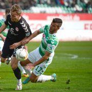 Schwer verletzt! Fürth-Kicker Tripic stürzt in Disco in die Tiefe (Foto)