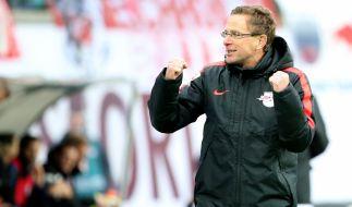 Überlegte sich gemeinsam mit seinem Trainerteam und RB-Mentaltrainer Sascha Lense den psychologischen Kniff mit motivierenden Zitaten: RB-Cheftrainer Ralf Rangnick. (Foto)