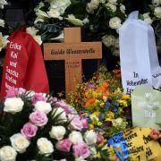 Riesen-Panne! Fehler auf Guido Westerwelles Grabkreuz (Foto)
