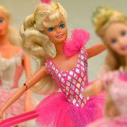 Was treibt Männer auf die Barbie-Messe? (Foto)