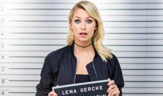 """Lena Gercke tüftelt mit ihren Komplizen an ausgefallenen """"Pranks"""". (Foto)"""