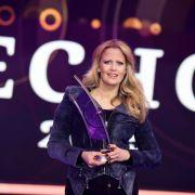 Trotz Bänder-Abriss! Mit High Heels durch die Echo-Verleihung 2016 (Foto)