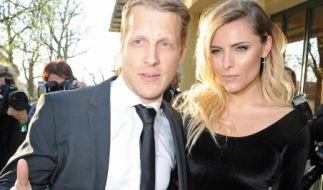 Oliver Pocher und Sophia Thomalla vertraut beim Charity-Dinnerempfang. (Foto)