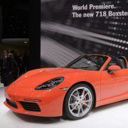 Ein Porsche 718 Boxster S bei der Internationalen Motor-Show in Genf, Schweiz. (Symbolbild)