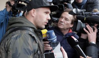 Dementierte alle Wechselgerüchte und holte zum Rundumschlag gegen die türkische Presse aus: Lukas Podolski. (Foto)