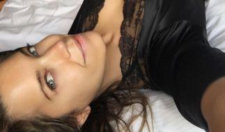Sylvie Meis weiß genau wie sie sich perfekt in Szene setzt (oder auch legt). (Foto)