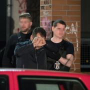 220 SEK-Beamte stürmen gegen arabische Großfamilie (Foto)