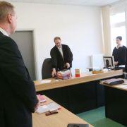 Schülerin verletzt! Brutalo-Rektor vor Gericht (Foto)