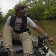 Angler zieht Poolnudel aus dem Wasser - und bekommt Schock seines Lebens! (Foto)