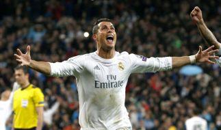 Mit einem Dreierpack schießt der Portugiese Cristiano Ronaldo Real Madrid nahezu im Alleingang gegen den VfL Wolfaburg ins Halbfinale der Champions League. (Foto)
