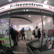 Diebe hinterlassen Kackhaufen in DB-Reisezentrum (Foto)