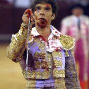 Jose Tomas: Zwei Stiere spießten ihn auf. Trotz dessen gewann er die Kämpfe.