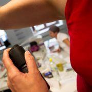 Darum schadet zu viel Deo bei der täglichen Hygiene! (Foto)