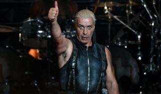 Rammstein sind wieder auf Tour! Sänger Till Lindemann findet's offenbar gut. Wir auch! (Foto)