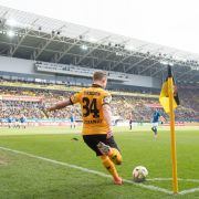 Dynamo Dresden steigt in Liga 2 auf - Halle schlägt Köln (Foto)