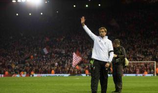 Football at it's best: Jürgen Klopp auf dem Weg in die Dortmunder Kurve, nachdem er mit dem FC Liverpool das Halbfinale der Europa League erreicht hat. (Foto)