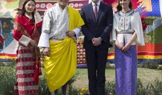 William und Kate mit dem König von Bhutan, Jigme Khesar Namgyel Wangchuck und seiner Frau Jetsun Pema (Foto)