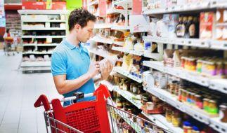 Die Verbraucherzentrale Hamburg warnt vor unzähligen Mogelpackungen im Supermarkt. (Foto)