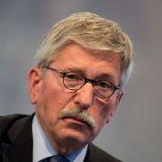 Neues Skandal-Buch rechnet mit Merkels Europa-Politik ab (Foto)