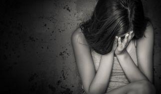 In China wurde eine Frau geschlagen und aus dem Haus geworfen, weil sie noch keinen Jungen geboren hatte. (Foto)