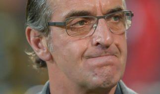 Sportdirektor Ralf Minge äußert sich bestürzt über den Vorfall im Stadion. (Foto)
