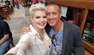 Melanie Müller und Stefan Stürmer haben einen gemeinsamen EM-Song aufgenommen. (Foto)