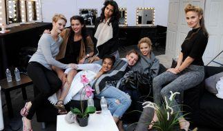 Lara, Kim, Fata, Taynara, Jasmin, Elena K. oder Elena C. - Welches der sieben Mädchen wird es bei GNTM 2016 ins Halbfinale schaffen? (Foto)