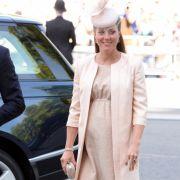 Anfang 2013 dann die freudige Botschaft: Catherine ist schwanger! Das britische Volk ist außer sich vor Freude!