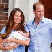 Am 22. Juli 2013 wird Prinz George Alexander Louis von Cambridge geboren.